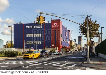New York, Usa - Oct 26, 2015: 718 Storage Space Building  In New York, Brooklyn. Storage Space Incre