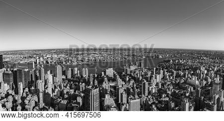 New York, Usa - October 23, 2015: Skyline View Of New York With View To River Hudson.