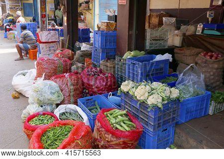 Kochi, Kerala, India -march 6, 2021 Fresh Vegetable Market On Street Side In Kochi, Kerala