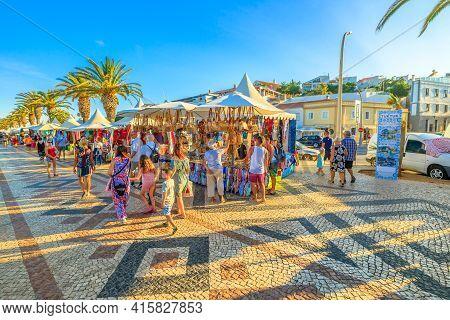 Lagos, Portugal - August 19, 2017: Market Along The Avenida Dos Descobrimentos, The Boulevard With P