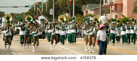 34Th Annual Winternational Thanksgiving Day Parade