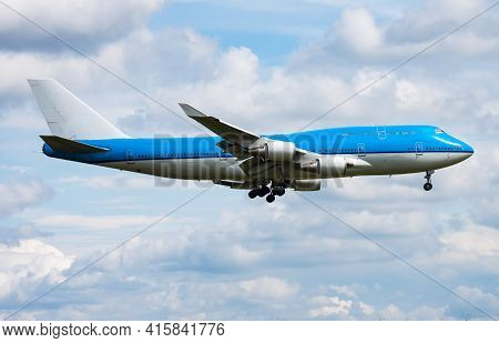 Untitled Airplane. Passenger Plane. Aircraft Without Title At Airport. Aviation Theme. In Flight. La