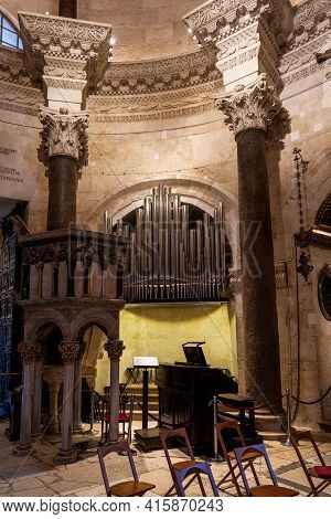 Split, Croatia - Jun 22, 2020: The Interior Of The Ancient Cathedral Of Saint Domnius In The Dioclet