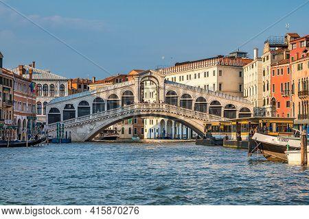 Venice, Italy - Jun 29, 2020: Rialto Bridge And Grand Canal In Venice. Architecture And Landmarks Of