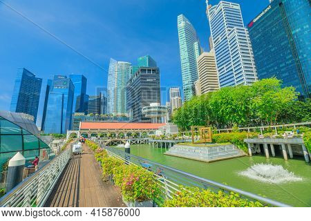 Singapore - April 28, 2018: Marina Bay Central Business District Cbd Buildings In Clifford Square Of