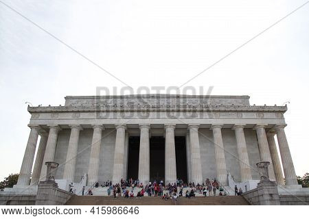 Washington Dc,usa - June 12, 2018: People Visit In Front Of To The Abraham Lincoln Memorial, Washing