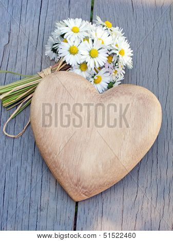 heart and daisies
