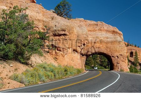 Winding Road at Red Canyon (close to Bryce Canyon National Park), Utah, USA