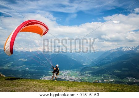 Paraglider Starts
