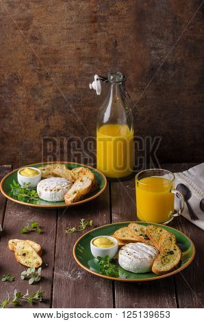 Grilled Camembert With Toast And Juice