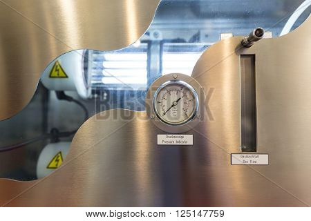 Pressure Indicator And Gas Flow Measuring