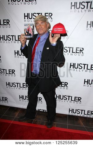 LOS ANGELES - APR 9:  Evan Stone at the Hustler Hollywood Grand Opening at the Hustler Hollywood on April 9, 2016 in Los Angeles, CA