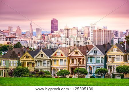 San Francisco, California cityscape at Alamo Square.