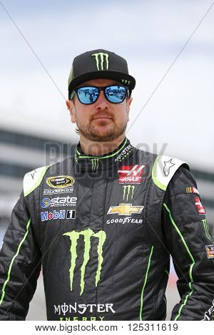 Ft. Worth, TX - Apr 08, 2016: Kurt Busch (41) waits on pit road to qualify for the Duck Commander 500 at the Texas Motor Speedway in Ft. Worth, TX.