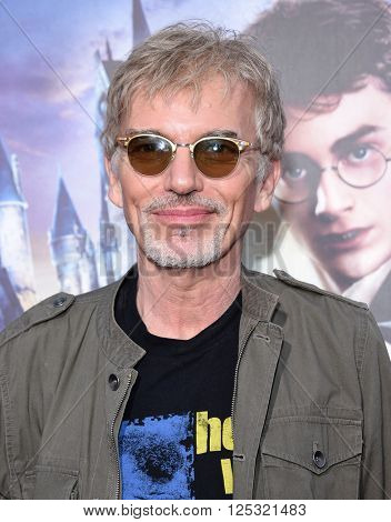 LOS ANGELES - APR 05:  Billy Bob Thornton arrives to the Wizarding World of Harry Potter Opening  on April 05, 2016 in Hollywood, CA.