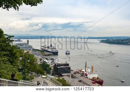 View of boats and ships on St. Lawrence River from Governor's Promenade