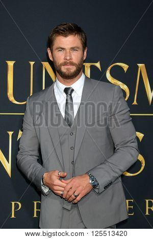 LOS ANGELES - APR 11:  Chris Hemsworth at the The Huntsman Winter's War American Premiere at the Village Theater on April 11, 2016 in Westwood, CA