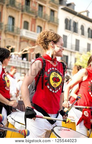 Spain Navarra Pamplona 11 July 2015 S Firmino Fiesta  Girl With Drum In The Main Square Play For The