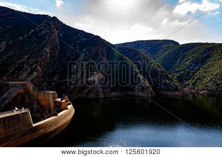 The Kouga Dam 2016-04-09 Water Level 76%