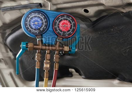 Monitoring Tools For Automotive Air Conditioning In Car Garage