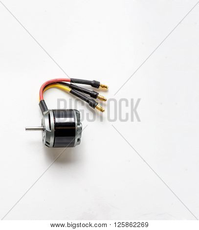 Electrical micro motor using DC for models of aircraft.