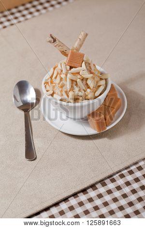 image of bowl of vanilla ice cream