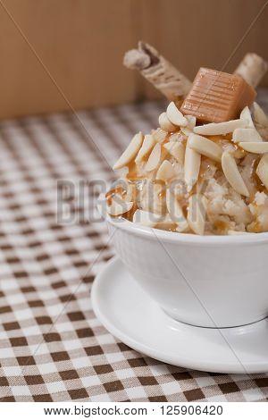 image of nutty caramel ice cream closeup