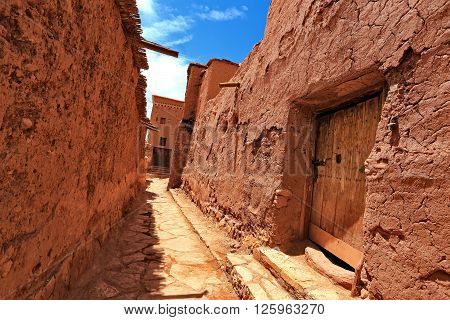 Kasbah (ksar) Ait Benhaddou is a fortified city near Ouarzazate in Morocco. Ait Benhaddou is a UNESCO World Heritage site.