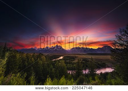 Colorful sunset at Snake River Overlook in Grand Teton National Park, WY