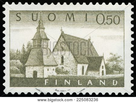 FINLAND - CIRCA 1985: A stamp printed in Finland features building exterior of finnish Lutheran Church, circa 1985