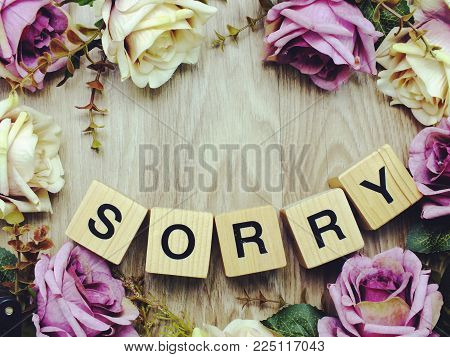 Sorry Word Wooden Block With Artificial Roses Flowers Decor And Gift Box