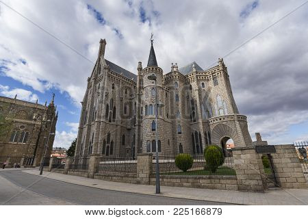 Astorga, Spain / Astorga, 09/09/2017: The Episcopal Palace of Astorga is a building by Spanish architect Antoni Gaudí. It was built between 1889 and 1913. Designed in the Catalan Modernisme style, it is one of only three buildings by Gaudi outside Catalon