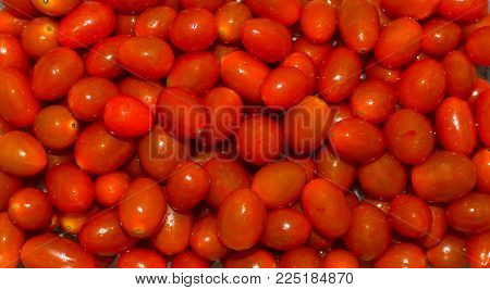Cherry Tomatoes For Background, Cherry Tomatoes For Wallpaper, Red Cherry Tomatoes.