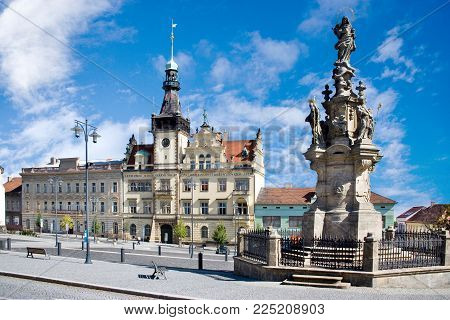 CZECH REPUBLIC, KLADNO - SETP 18, 2015:  town hall and Marian column from 1739, historical town center of town Kladno, Central Bohemia, Czech republic