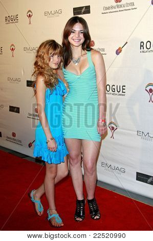 LOS ANGELES - JUN 14: Bella Thorne and Kaili Thorne  at the Rock-N-Reel event held at Culver Studios in Los Angeles, California on June 14, 2009