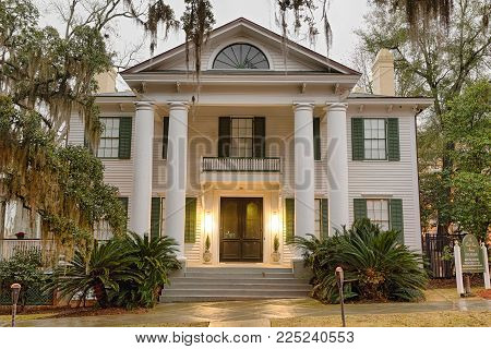 TALLAHASSEE, FLORIDA - JANUARY 16, 2015 : Knott House Museum located in the Park Avenue Historic District. It was used as the headquarters of the Union Army during the American Civil War.