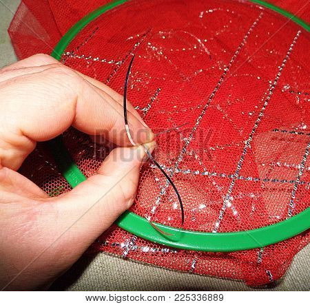 turkey anatolia special crafts, filigree crafts, doing female filigree work