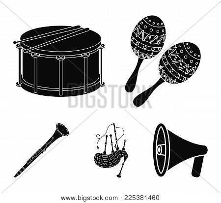 Maracas, Drum, Scottish Bagpipes, Clarinet. Musical Instruments Set Collection Icons In Black Style