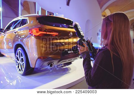 Photographer Shoots Stand New Bmw X2 At The Show