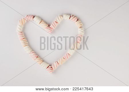 Romantic Heart Marshmallow Frame