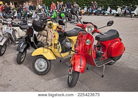 Forlimpopoli, Fc, Italy - June 19, 2016: Classic Scooters Vespa Parked During The Italian Scooter Ra