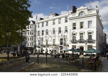 EXETER, DEVON, UK: ROYAL CLARENCE HOTEL, CATHEDRAL YARD SQUARE CLOSE, 17TH OCTOBER 2005, EXETER, DEV