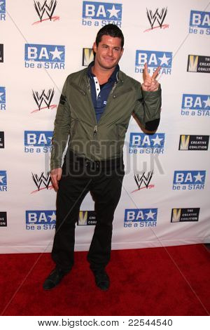 LOS ANGELES - AUG 11:  Evan Bourne arriving at the
