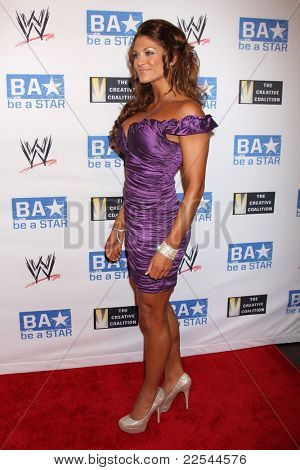 LOS ANGELES - AUG 11:  Eve Torres arriving at the