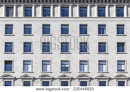 Barcelona,spain-october 22,2017:detail Facade Building,neo Classic Style, Symmetry Windows.barcelona