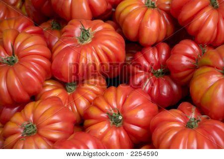 Tomatoes At Farmer'S Market (2)