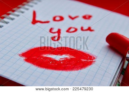 I Love You Inscription, Lipstick Is Red, A Trace Of A Kiss, A Trace Of Lipstick