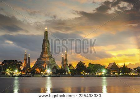 Arun Temple Or Wat Arun Is Icon Of Thailand Travel And Landmark For Bangkok City, Bangkok, Thailand