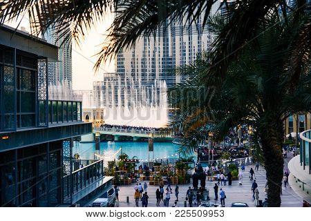 Dubai, United Arab Emirates - February 5, 2018: Crowd Gathers Around The Dubai Mall Fountain To See