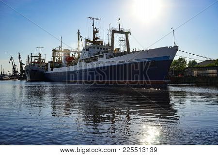 Kaliningrad, Russia - May 11, 2016: Research Vessel Between The Two Structures On The Background Of